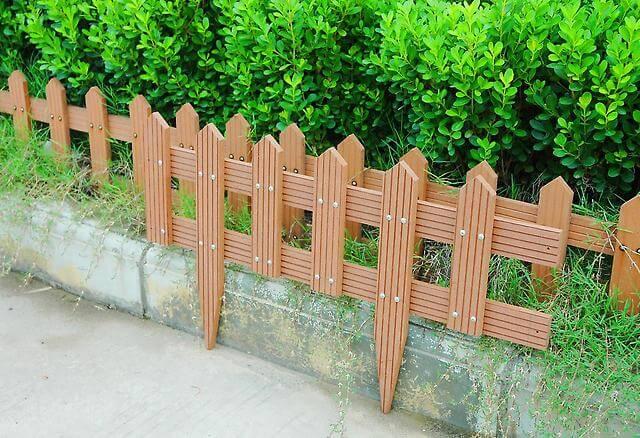 Декоративная оградка из дерева