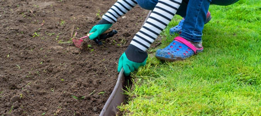Підготовка ділянки під газон