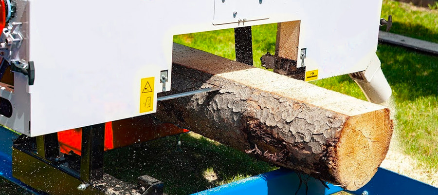Горизонтальна стрічкова пила по дереву