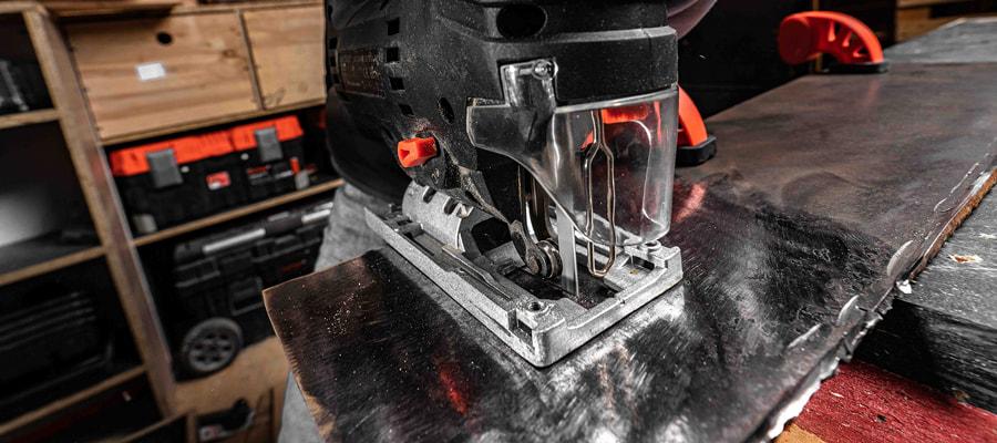 Як різати метал лобзиком