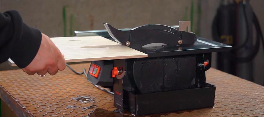 Як користуватися плиткорізом електричним