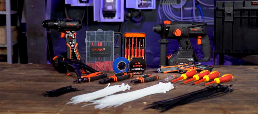 ТОП-10 інструментів для електрика