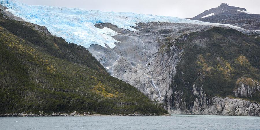Льодовики на кручах архіпелагу Вогняна Земля