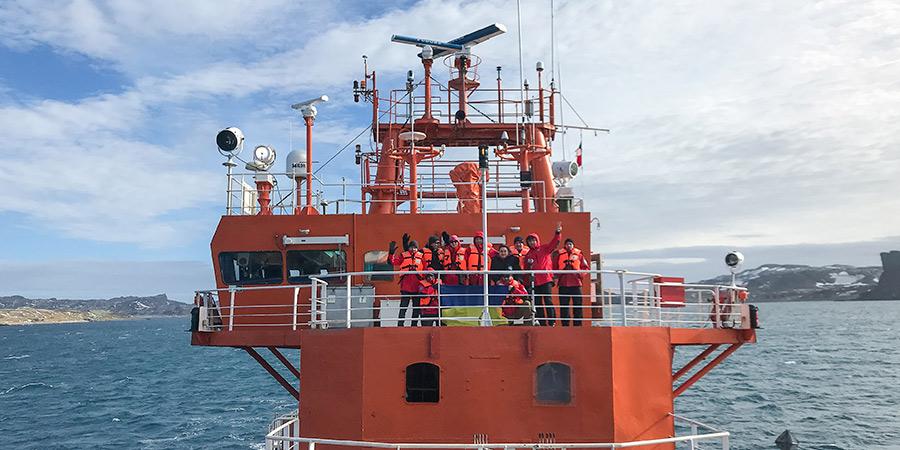 Учасники експедиції на судні