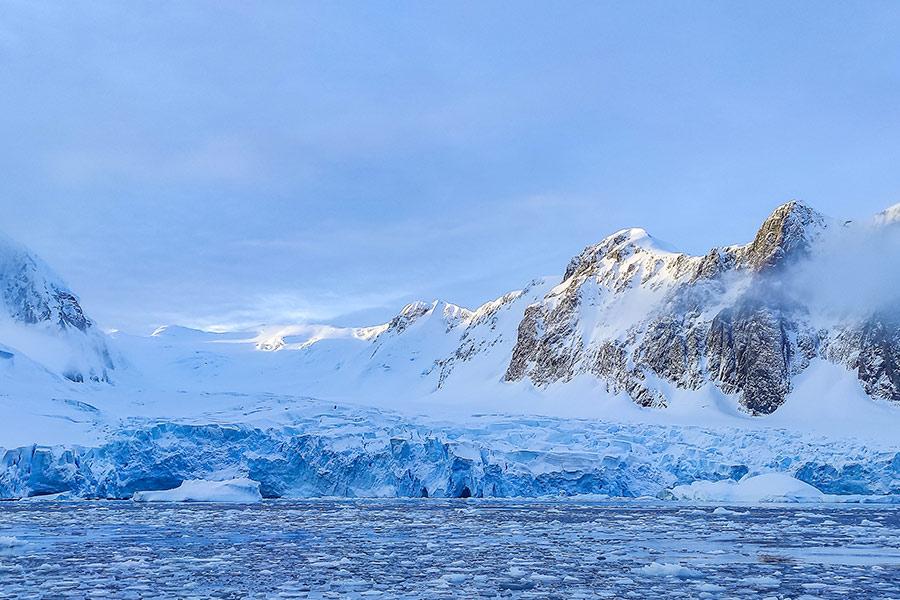 Ледяные пейзажи Антарктики