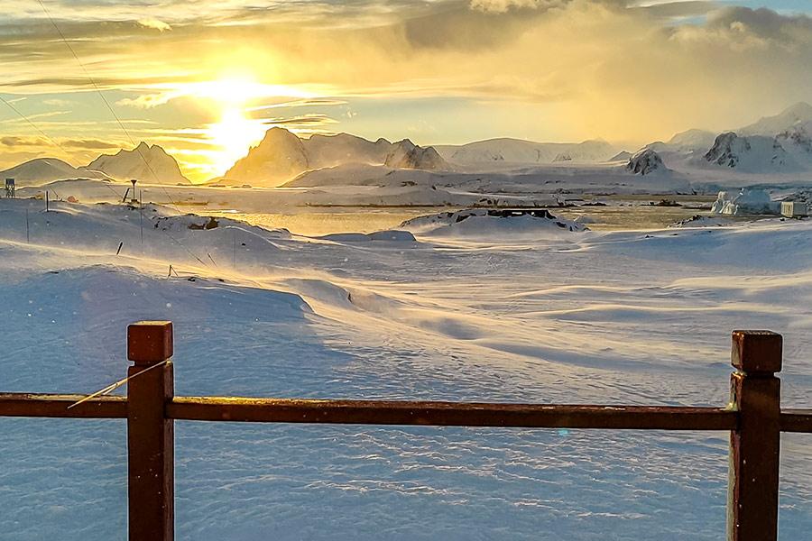 Схід сонця на краю світу
