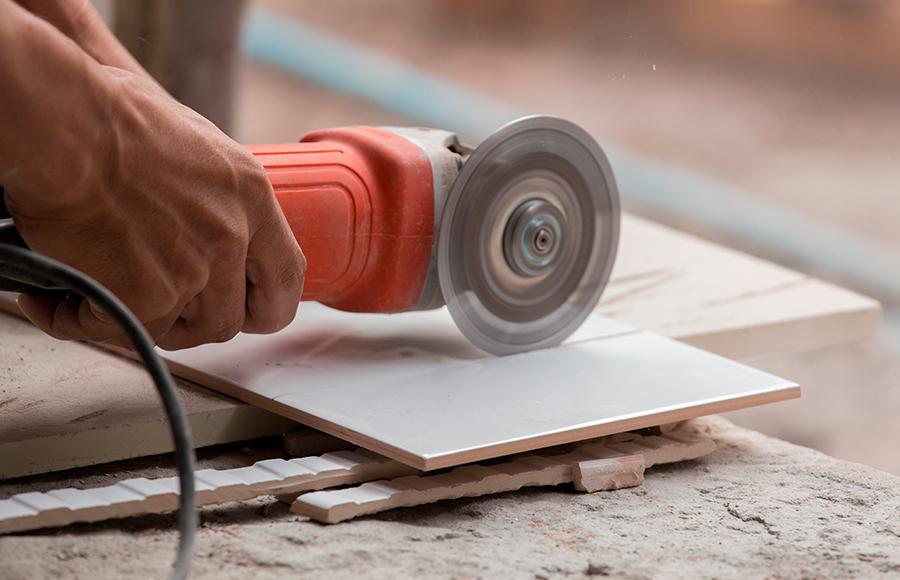 Как резать болгаркой плитку