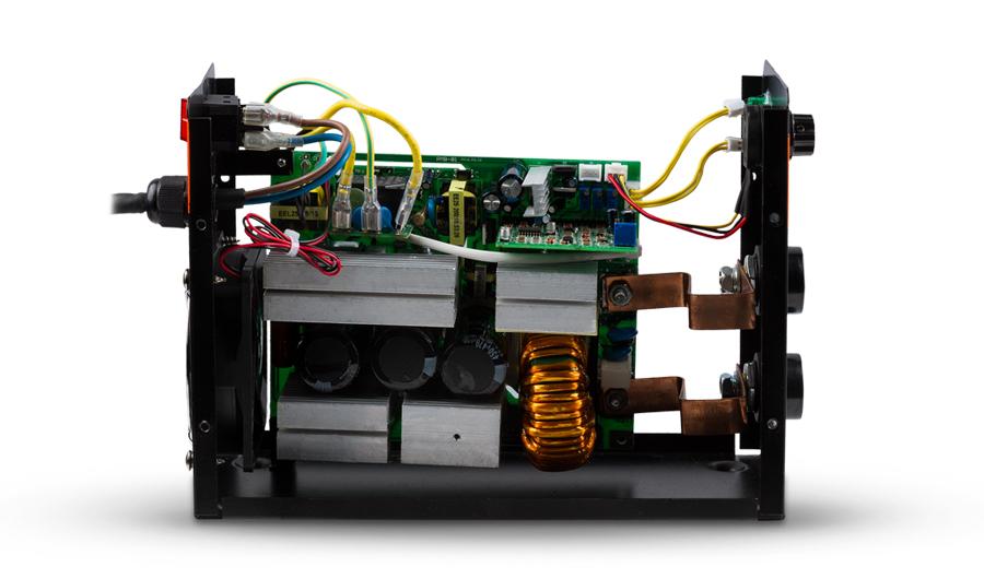 Разобранный инвертор. Внутреннее строение инверторного аппарата