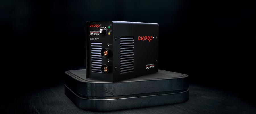 Сварочный инвертор Dnipro-M SAB-258N. Инверторный аппарат высокого качества