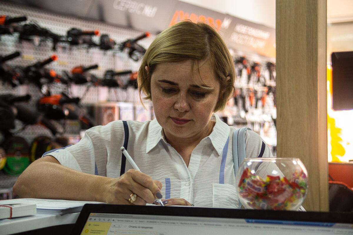 Магазин Dnipro-M на Позняках